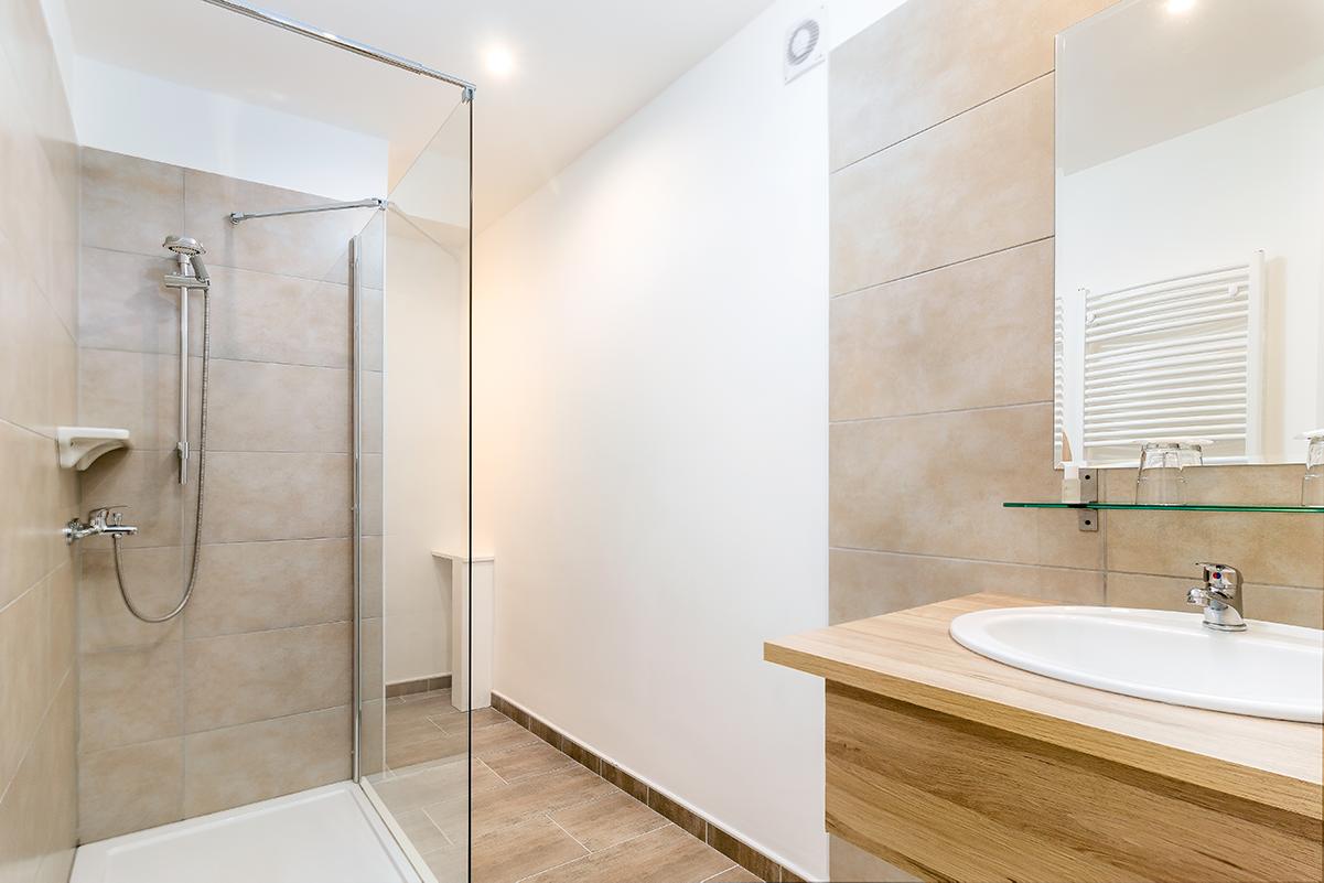 pic_doubleroom-bathroom